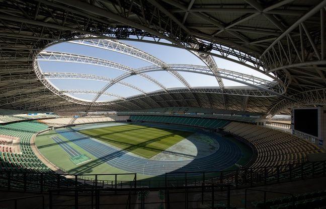Le stade d'Oita est équipé d'un toit rétractable.