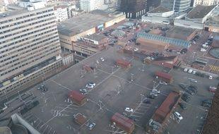 Lyon, le 19 décembre 2016 Le parking 3000 situé sur le toit du centre commercial de la Part-Dieu va etre démoli pour etre transformé en terrasse végétalisée. C. Girardon / 20 Minutes