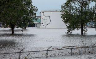 L'usine chimique d'Arkema inondée par l'ouragan Harvey à Houston, le 30 août 2017.