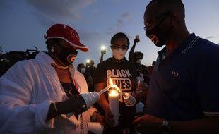 Les personnes noires ont été personnellement émues par la mort de George Floyd