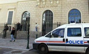 Une voiture de police à Ajaccio en Corse