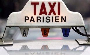 Cinq cents taxis supplémentaires seront autorisés à circuler et à stationner d'ici à la fin de l'année, portant à 16.400 le nombre des taxis dans la capitale, lit-on mercredi dans PPrama, la revue hebdomadaire de la préfecture de police.