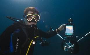 Alexis Rosenfeld en plein test de son appareil photo GPS