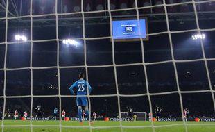 Le VAR à l'oeuvre pendant Ajax Amsterdam - Real Madrid, le 13 février 2019.