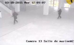 Capture d'écran d'une vidéo de surveillance du musée du Bardo à Tunis, diffusée par les autorités tunisiennes.