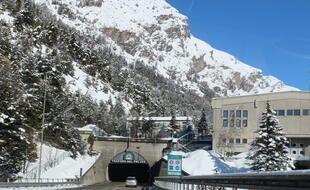 Entrée italienne du tunnel du Fréjus, qui abrite le Laboratoire Souterrain de Modane
