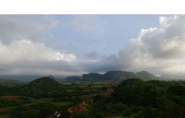 La vallée de Viñales, Cuba (format grand angle).