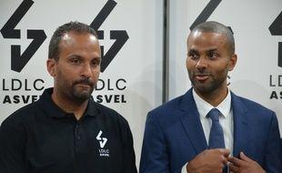Tony Parker, ici mardi lors de la présentation devant la presse de son frère TJ, nouveau coach de l'Asvel.
