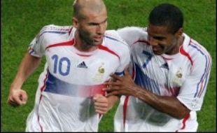 A la mi-temps, la France mène devant le Portugal 1 à 0 en demi-finales du Mondial 2006 de football, mercredi à Munich.