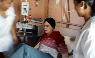 Le centre Léon Bérard de Lyon lance une étude clinique auprès de 273 patients atteints de cancer et touchés par le coronavirus.