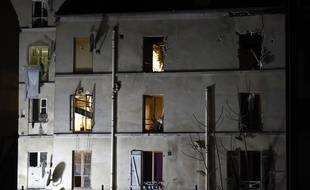 L'immeuble où a eu lieu l'assaut antiterroriste à Saint-Denis, le 18 novembre 2015. AFP PHOTO / ERIC FEFERBERG