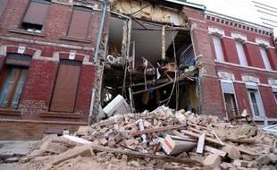Photo de la maison après l'explosion vraisemblablement due à une fuite de gaz, le 24 novembre 2014 à Saint-Quentin