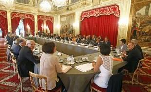 Le séminaire de rentrée du gouvernement, autour de François Hollande, sur le thème «la France de 2025». A l'Elysée, le 19 août 2013.