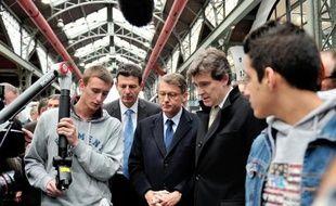 """Les ministres Vincent Peillon et Arnaud Montebourg vont lancer lundi à Oyonnax-Bellignat (Ain) les """"campus des métiers et des qualifications"""", au nombre d'une douzaine dans un premier temps."""