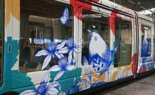 L'habillage de la rame de tram par l'artiste Missy pour l'inauguration de l'extension de la ligne E à la Robertsau samedi.