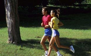 Faire du sport et rencontrer l'amour sont au top des bonnes résolutions des internautes pour 2015.