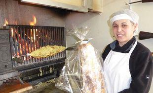 Fabienne Laplace, ambassadrice du gâteau à la broche au feu de bois.