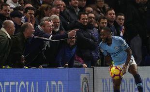 Le joueur de Manchester City Raheem Sterling insulté par des supporters de Chelsea, le 8 décembre 2018.