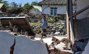 La terre tremble à Lombok en Indonésie.