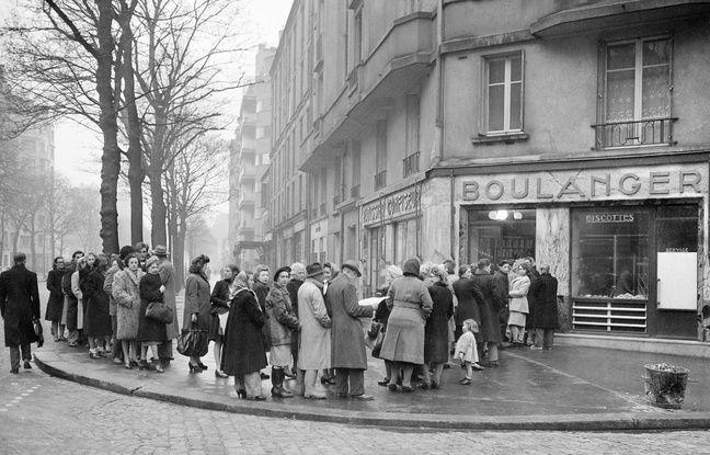 Paris, 1947, pendant la grève des Grands Moulins de Paris.
