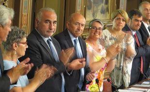 Gérard Collomb a présidé le conseil municipal de Lyon, lundi 29 mai, sous les applaudissements.