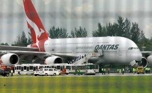 En revanche, quatre A380 immobilisés, dont celui victime d'une avarie de moteur le 4 novembre, restent au sol alors que des investigations se poursuivent.