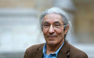 L'écrivain algérien Boualem Sansal vient de recevoir le Grand Prix du Roman de l'Académie française à Paris le 29 octobre 2015