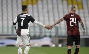 Cristiano Ronaldo et Simon Kjear lors de la reprise en Italie
