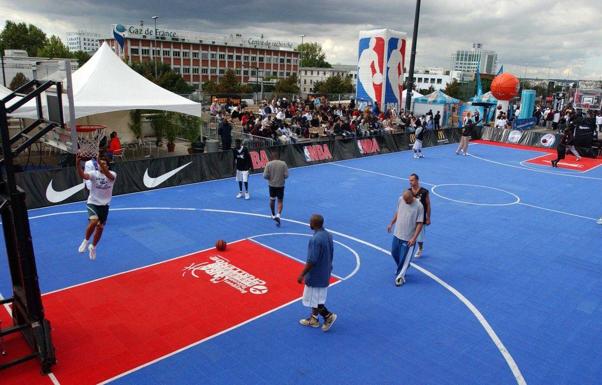 Un appel d'offres lancé ce lundi par la ville de Paris vise à reconvertir quatorze friches et locaux inoccupés de la capitale en terrains de sport. –  NEGROTTO VIVIANE/SIPA