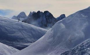 Une chaîne de montagnes (photo d'illustration)