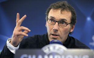 L'entraîneur des Girondins de Bordeaux, Laurent Blanc, lors de la conférence de presse précédent le quart de finale aller de la Ligue des champions face à Lyon, le 29 mars 2010.