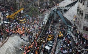 Un autopont s'est effondré le 31 mars  à Calcutta, en Inde, faisant au moins 15 morts