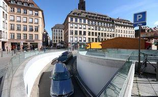 Le parking Gutenberg offre une des possibilités de se garer dans le centre de Strasbourg, où le stationnement est souvent compliqué. Illustration