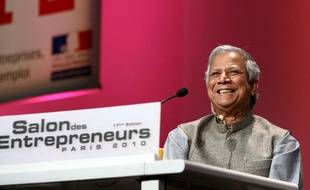 Mohammad Yunus, créateur du micro-crédit au Bangladesh et prix Nobel de la paix, à Paris en février 2010.