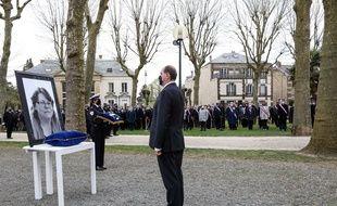 Le Premier ministre, Jean Castex, préside, le 30 avril 2021, la cérémonie d'hommage national à la fonctionnaire de police tuée à Rambouillet une semaine plus tôt.