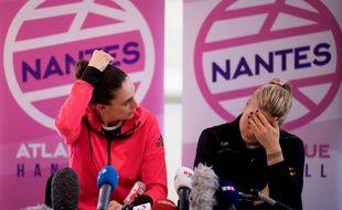 Camille Ayglon-Saurina (à gauche) et Léa Ligneres, lors de la conférence de presse tenue en urgence à Nantes le 14 février 2020.
