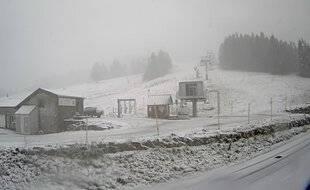 La neige est tombée vendredi sur la station de Piau-Engaly, dans les Hautes-Pyrénées.