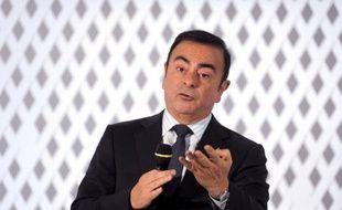Le PDG du constructeur automobile français Renault, Carlos Ghosn, s'est dit lundi plutôt défavorable à toute mesure qui pourrait réduire l'avantage compétitif du diesel, alors que le débat agite le gouvernement français.