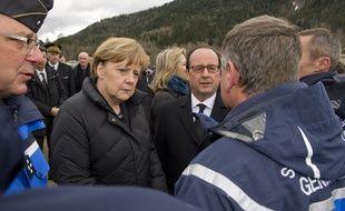 François Hollande, Angela Merkel et Mariano Rajoy se sont rendus sur les lieux du crash de l'A320 de GermanWings, dans les Alpes, le 25 mars 2015.