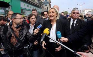 """La présidente du Front National Marine Le Pen a estimé dimanche que """"chaque jour qui passe"""" la """"rapproche du pouvoir"""", lors de l'émission """"C politique"""" sur France5."""