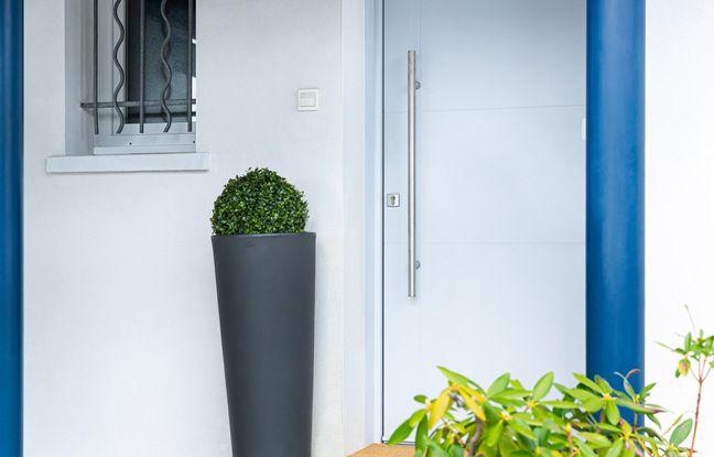 A l'extérieur, Door Keeper se fond dans le décor.