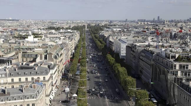 Champs-Elysées : « Je lève la tête et je le vois en position de tir… » Un Russe soupçonné de tirer sur des passants interpellé