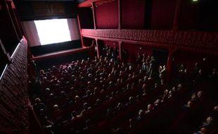Face à une fréquentation qui piétine, les exploitants de salles de cinéma espèrent un rebond grâce au cocktail de blockbusters et de comédies françaises prévu pour 2016