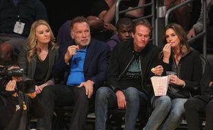 Sortie entre couples pour Arnold Schwarzenegger et Cindy Crawford au match des Lakers le 14 novembre dernier