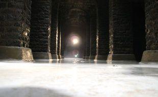 Le réservoir d'eau des Gallets à Rennes et ses 20.000 m3, ici vidangé en 2011.