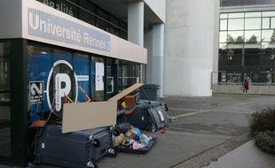 Les entrées des bâtiments de Rennes 2 sont bloquées depuis ce lundi matin.