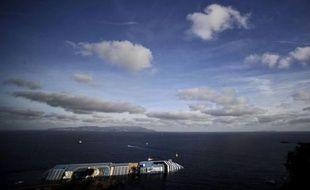Le réassureur allemand Hannover Re a annoncé lundi que le naufrage du navire de croisière Costa Concordia allait lui coûter au moins 30 millions d'euros.