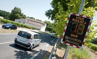 Illustration de la limitation de vitesse sur une route à Bordeaux.