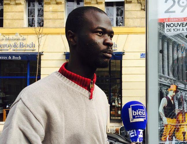 Omar est passé par Calais avant de rejoindre Marseille.