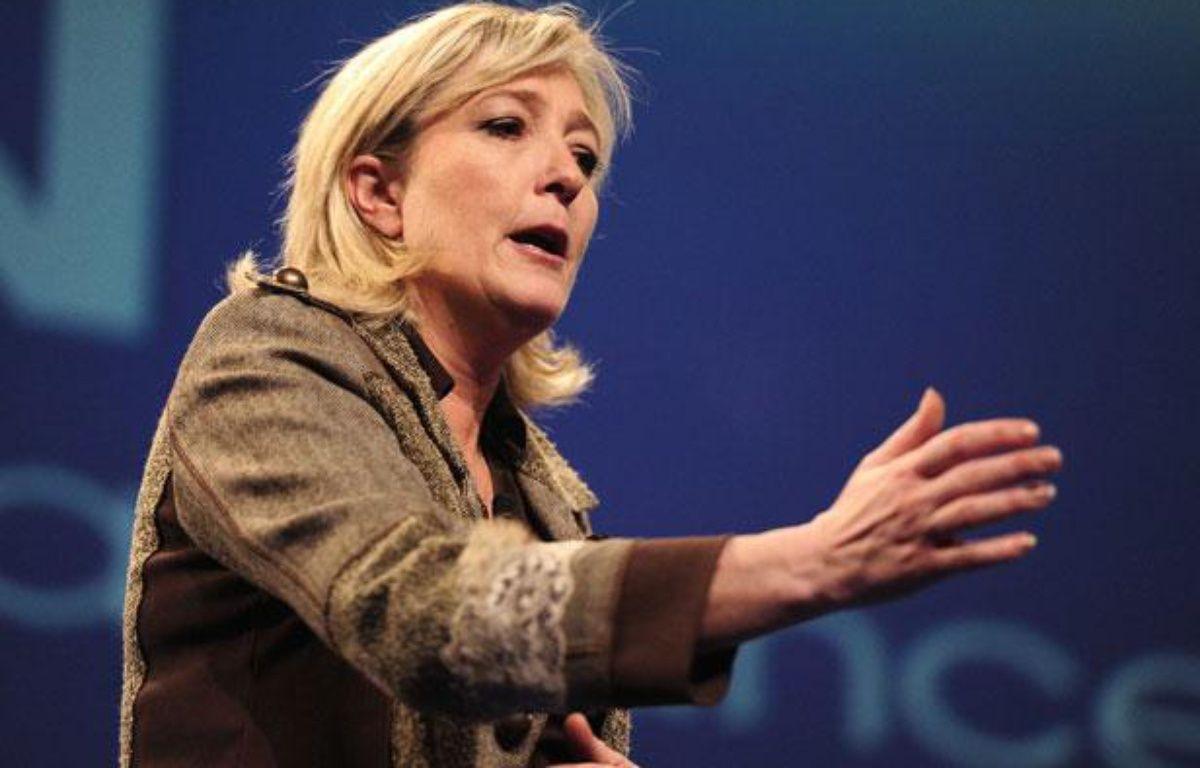 Marine Le Pen lors de son déplacement àChateauroux, le 26 février 2012. – ALFRED/SIPA